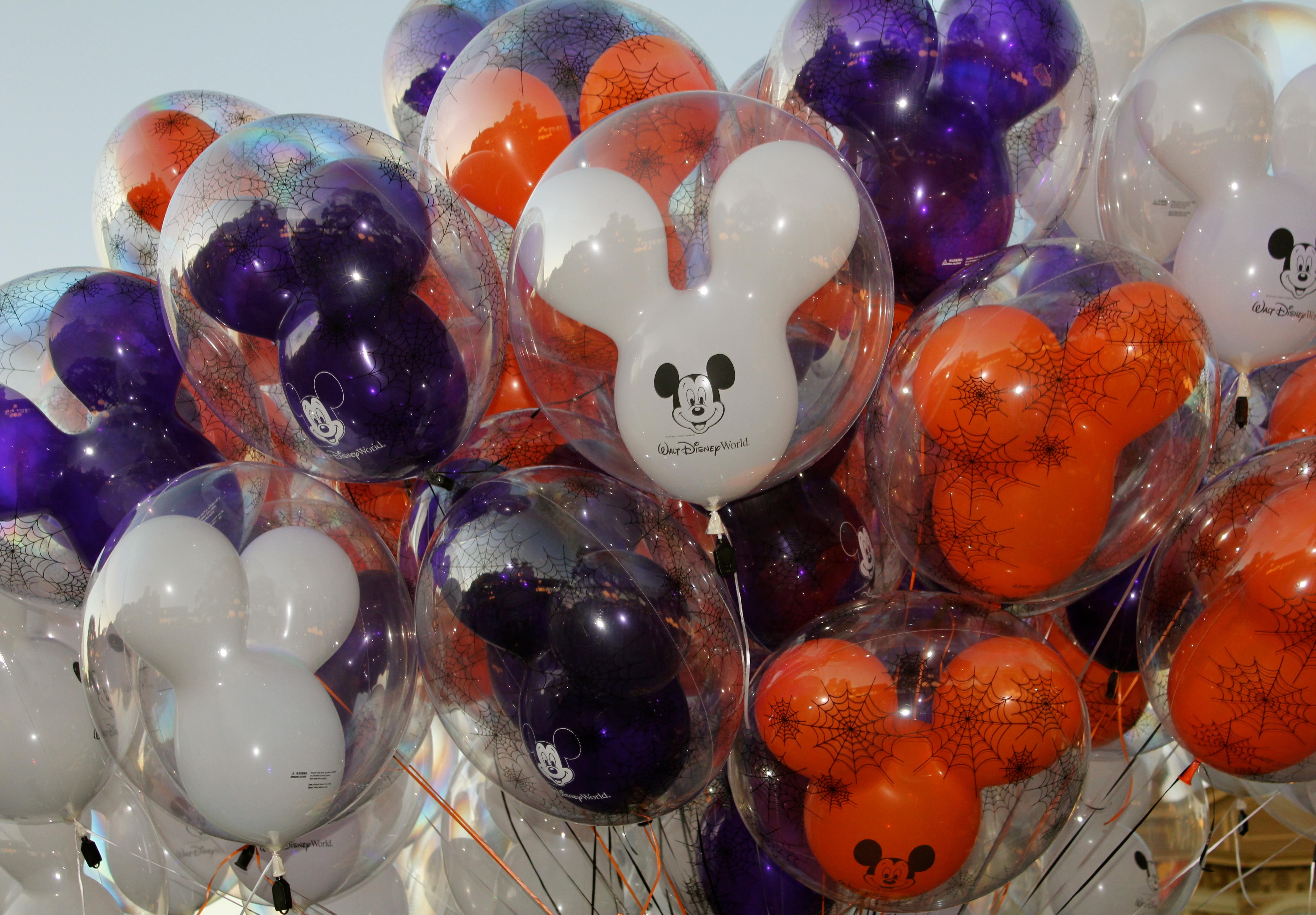 Mickey's Not So Scary Halloween Party | Disney Chronicles