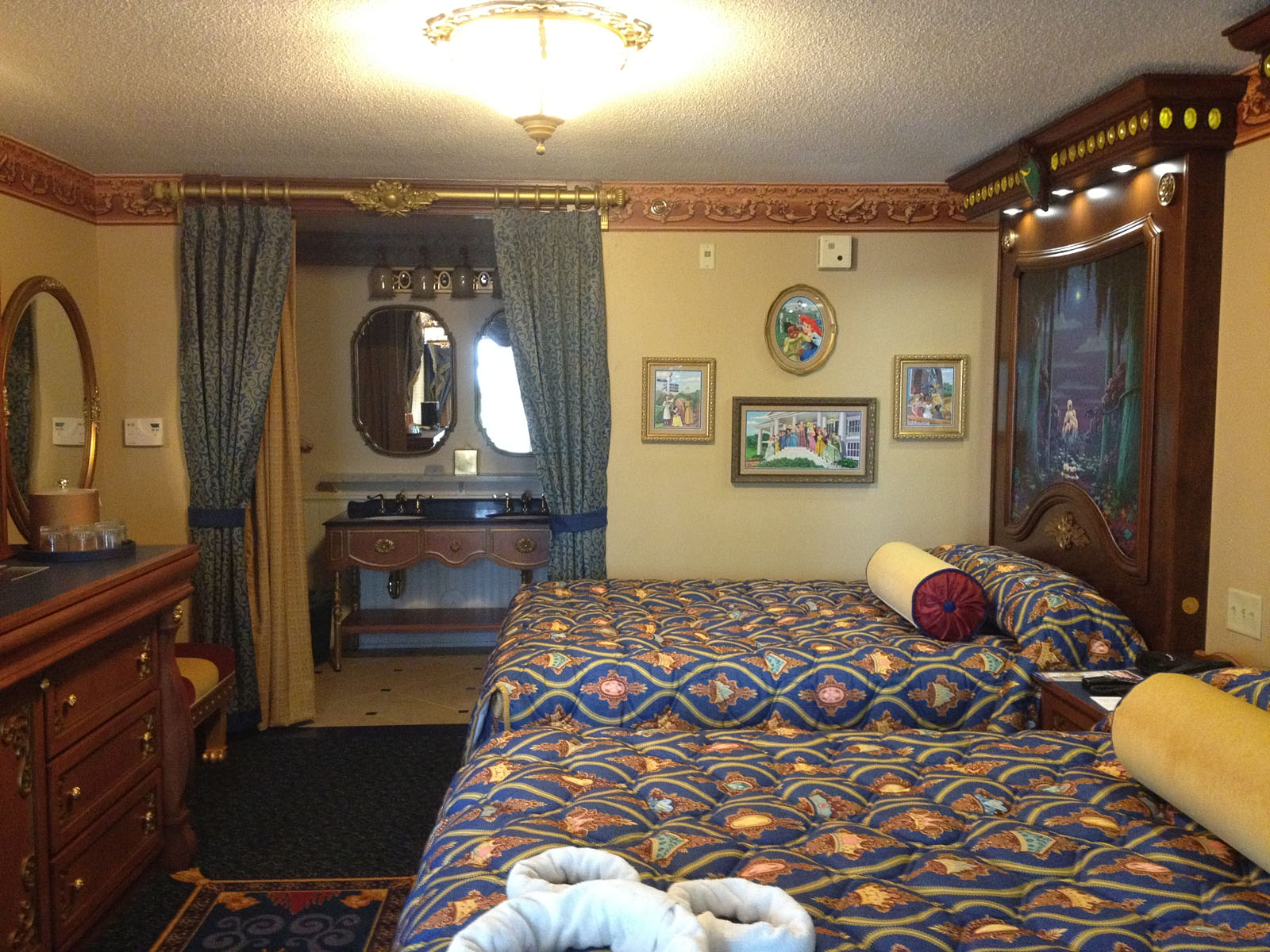 Look Inside Royal Guest Rooms At Disney S Port Orleans Riverside Disney Chronicles